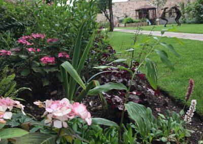 Claire-Carter-Gardens---Walled-Garden-Pics-2