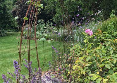 Claire-Carter-Gardens---jennifers-garden-2